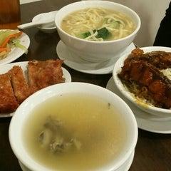 Photo taken at Delicious Kitchen 美味廚 by Johnson A. on 4/21/2015