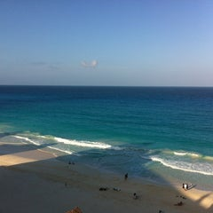 Photo taken at Cancún by Alfreedo J A. on 7/24/2013