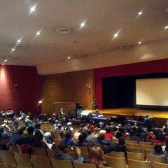 Das Foto wurde bei Boys and Girls High School von L. Joy W. am 12/4/2012 aufgenommen