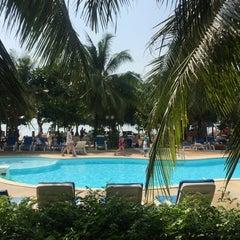 Photo taken at DR Lanta Bay Resort Koh Lanta by Rayya R. on 1/28/2015