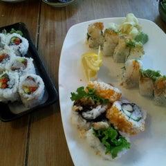 Photo taken at Moshi Moshi Sushi by Athima C. on 8/17/2012