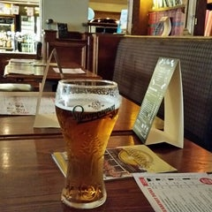 Photo taken at The Walnut Tree (Wetherspoon) by Darius R. on 10/18/2014