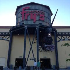 Photo taken at Fry's Electronics by Fabio de Paula S. on 7/18/2013