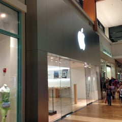 Photo taken at Apple Store, West County by Matthew M. on 1/26/2013