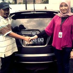 Photo taken at Honda Mugen - Pasar Minggu by ajeng p. on 11/29/2012