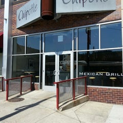Photo taken at Chipotle Mexican Grill by K. K. on 4/4/2015