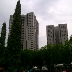Photo taken at Parkir Timur Senayan by nuning l. on 10/27/2012