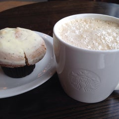 Photo taken at Starbucks by Jack L. on 3/26/2015