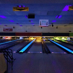 Photo taken at Tenpin Bowling by Paul T. on 10/29/2013