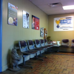 Photo taken at Tampa Veterinary Hospital by Lucas D. on 4/26/2013