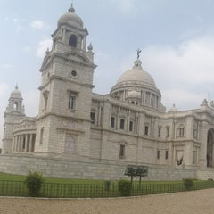 Photo taken at Victoria Memorial by Elena Z. on 4/29/2013