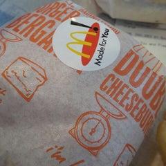 Photo taken at McDonald's by Wan Rizalman W. on 3/12/2015