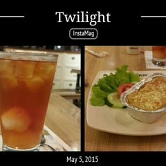 Photo taken at de'EXCELSO by kiki r. on 5/5/2015