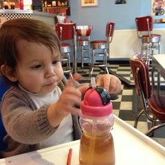 Photo taken at Stateside Diner by Azareth C. on 3/3/2014