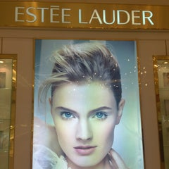 Photo taken at Estee Lauder by BKK_FLYER on 3/16/2013