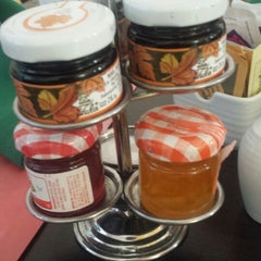 Photo taken at Restaurante La Huerta Café by Juan B. on 5/3/2014
