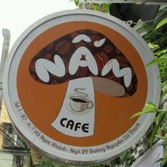 Photo taken at Cà phê Nấm by Long™ N. on 7/16/2011