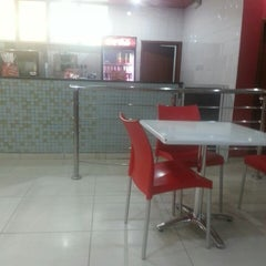 Photo taken at Chicken Republic by Umar M. A. on 6/12/2013