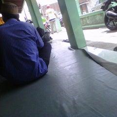 Photo taken at Warung Pecel Bu Sarmi by andhy d. on 12/26/2012