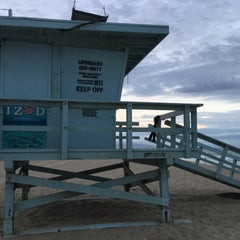 Photo taken at Rose Tower, Venice Beach by Jon S. on 9/15/2015
