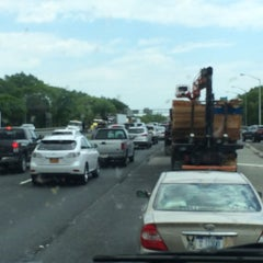Photo taken at Interstate 278 (Staten Island Expy) by Abdullah Yilmaz T. on 5/30/2014
