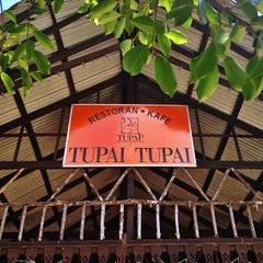 Photo taken at Restoran Tupai-Tupai by Canny P. on 5/30/2013