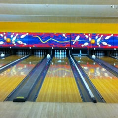 Photo taken at Clover Lanes by Mohammad B. on 3/9/2013