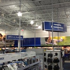 Photo taken at Best Buy by Chris T. on 12/1/2012