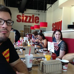 Photo taken at Smashburger by Jessica W. on 5/26/2013