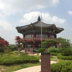 Photo taken at 북악스카이웨이 팔각정 (Bukak Skyway Palgakjeong) by Yi C. on 7/1/2013