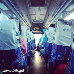 Photo taken at Jalan Tol Lingkar Luar Jakarta Seksi W2 Selatan (JORR W2 S) by Dhimas T. on 11/22/2014