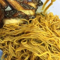 Photo taken at Restoran Puchong Fatt Kee by Ray on 7/6/2015