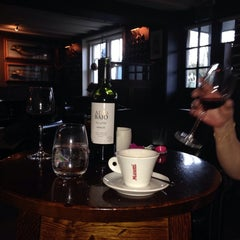 Photo taken at The Carnarvon Arms by Live Restaurant L. on 12/30/2013