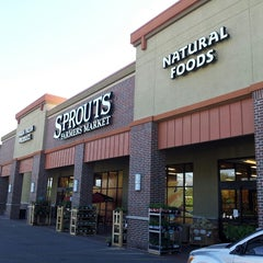 Photo taken at Sprouts Farmers Market by Pedro S. on 6/1/2013