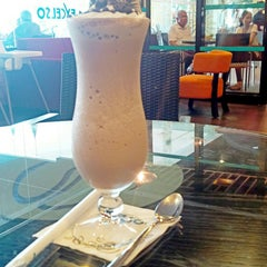 Photo taken at EXCELSO by uwi h. on 6/7/2014