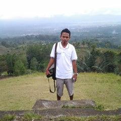 Photo taken at Puncak Temboan Rurukan by Herdiyanto G. on 10/3/2013
