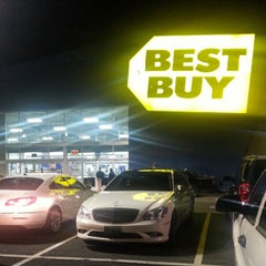 Photo taken at Best Buy by Christopher N. on 11/28/2014