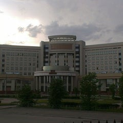Photo taken at Исторический факультет МГУ by Reginella on 5/16/2013