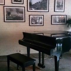 Photo taken at 1920 Restaurant & Bar by Ringo C. on 6/2/2013