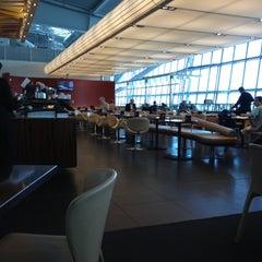 Photo taken at Gordon Ramsay Plane Food by Ed K. on 11/8/2012
