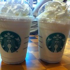 Photo taken at Starbucks (สตาร์บัคส์) by Jeerinun C. on 10/10/2012