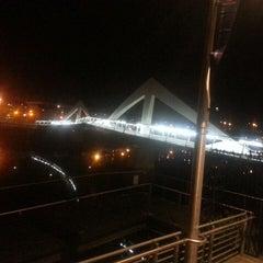 Photo taken at Tradeston-Broomielaw Bridge (Squiggly) by Tahir M. on 3/11/2014