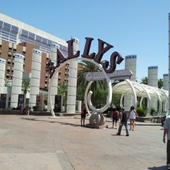 Photo taken at Bally's Hotel & Casino by Pablo C. on 5/24/2013