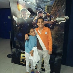 Photo taken at Super Cines - Puente Real by Freddy José C. on 1/11/2014