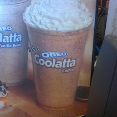 Photo taken at Dunkin' Donuts by Maria L. on 8/11/2012