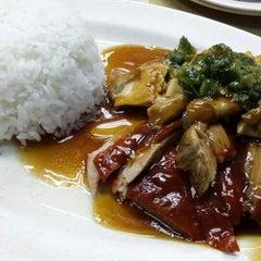 Photo taken at Wai Ying Fastfood (嶸嶸小食館) by Salve L. on 5/26/2013
