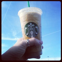 Photo taken at Starbucks by Melvin M. on 1/15/2015