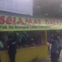 Photo taken at Keropok Lekor Pak Su by Amin Z. on 6/8/2013