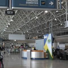 Photo taken at Aeroporto Internacional do Rio de Janeiro / Galeão (GIG) by AIRTON M. on 11/10/2013
