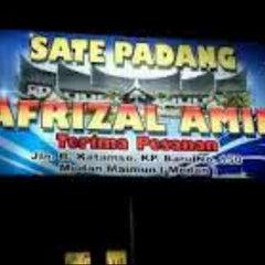 Photo taken at Sate Padang Afrizal Amir by EddyBangRegar on 9/21/2013